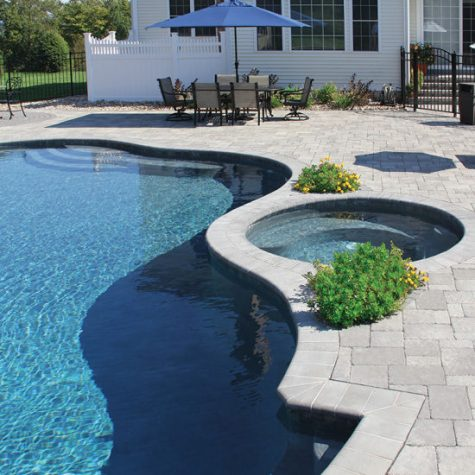 Toscana Olde Towne with Fullnose 6x12 Coping Accents granite